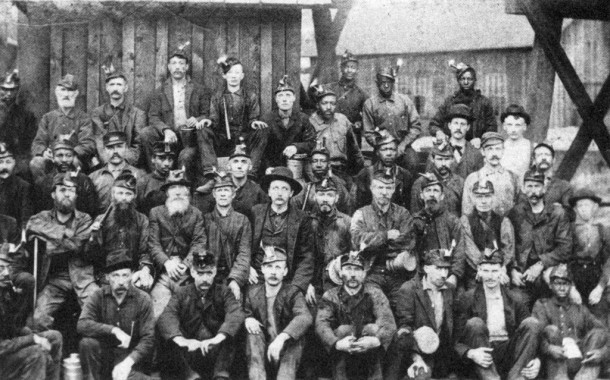 Coal mining crew in South King County ca. 1905